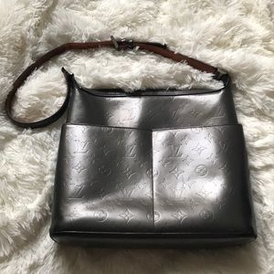 Louis Vuitton Bags - Louis Vuitton Grey Monogram Mat Vernis sutter bag